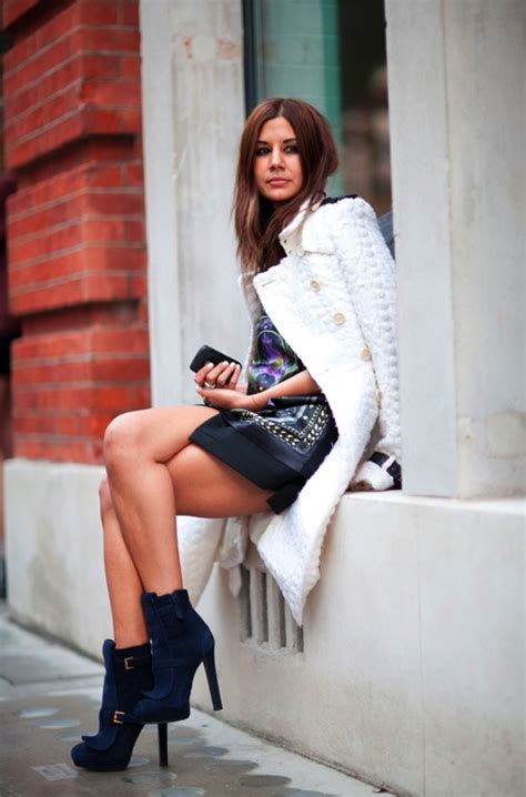 Style Goes Global With Christine Cabusas by Hora De Casacos E Trench Coats Brancos