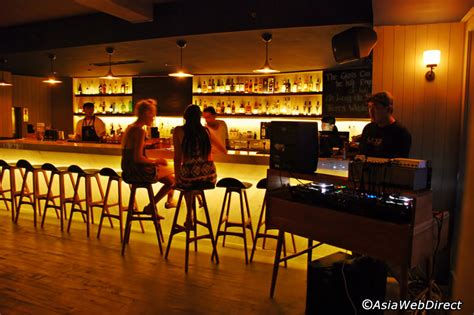 Meja Bar meja kitchen bar bali magazine