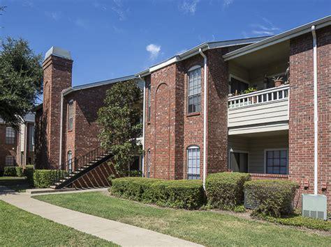 Apartment Communities In Dallas Tx Crestmont Reserve Apartment Homes Rentals Dallas Tx