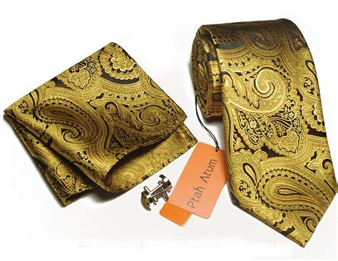 gold pattern pocket square gold paisley pocket square google search wedding suit