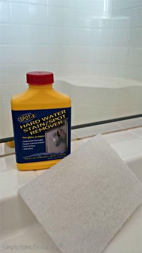 Shower Door Glass Cleaner Best 25 Cleaning Shower Glass Ideas On Cleaning Glass Shower Doors Cleaning Shower