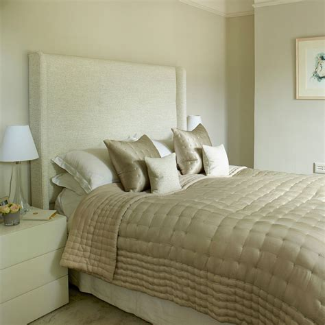 How To Make A Small Bedroom Work by Make Small Spaces Work For You Blindsgalore