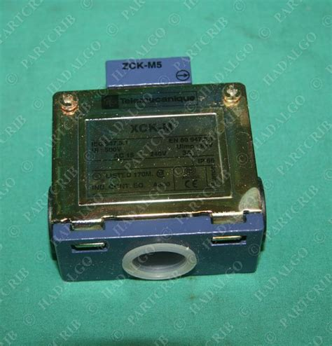 Schneider Telemecanique Limit Switch Xcj125 telemecanique xck m502 xckm502 limit switch square d