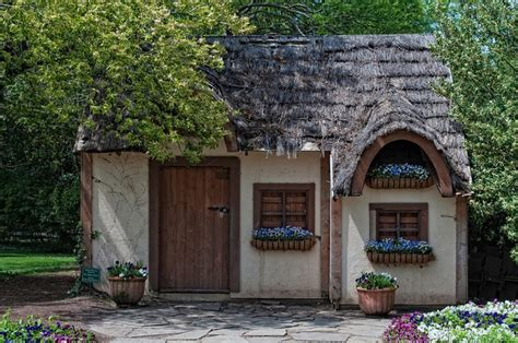 thatched roof cottage thatched roof mini cottage cabins cottages