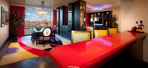 mickey mouse penthouse suite at disneyland thechive disneyland hotel signature suites mickey mouse suite