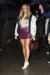 beyonce in leather mini skirt 01 gotceleb