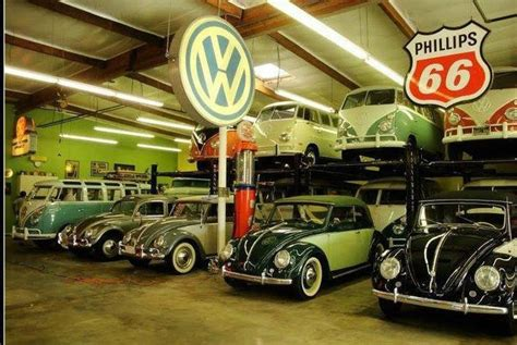 vw bus  beetle garage  school vws pinterest buses awesome  classic