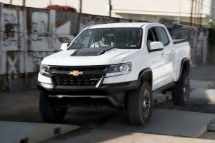 auto showdown 2017 chevrolet colorado zr2 vs 2017 toyota