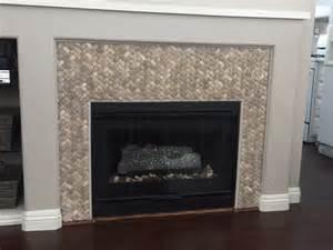 kamin mit kacheln 3d basket weave tile fireplace surround pebble