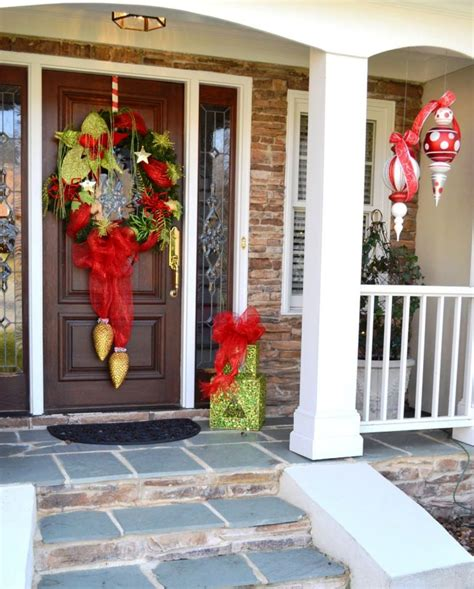 front porch christmas decorating ideas 25 amazing christmas front porch decorating ideas