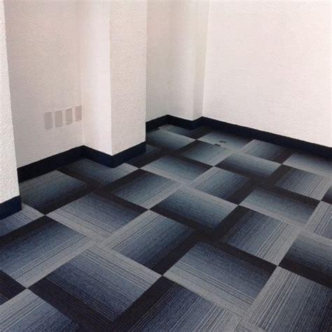 alfombra modular gris  azul precio por caja   en mercado libre