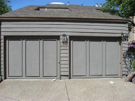 Crown Garage by Crown Harbor Hoa Garage Door Colors