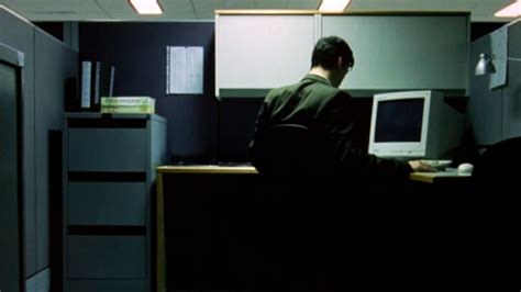 plot explanation why does neo s cubicle not look like