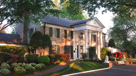 S Home by Hiway America The Elvis Home Graceland Tennessee