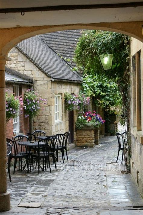 Cottage Chipping Cden by 1000 Images About Cotswolds The Of On