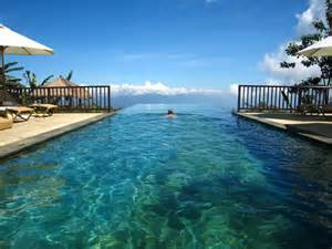 Infinity Pool 40 Stunning Infinity Pools Around The World Designrulz