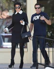 kris jenner foyer kris jenner gets into the spirit with