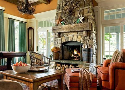 kamin rustikal brennholz lagern kann auch kunstvoll und 228 sthetisch sein