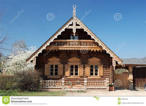 casas rusas casa de madera rusa fotos de archivo libres de regal 237 as