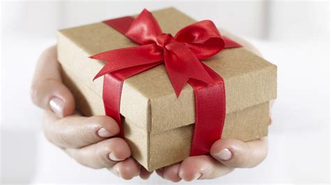 buy gift how to buy gifts for friends