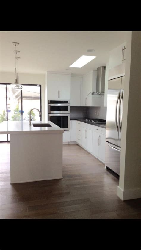 sweet white finished wooden kitchen cabinet doors with contemporary kitchen cabinetry by ultracraft slab door