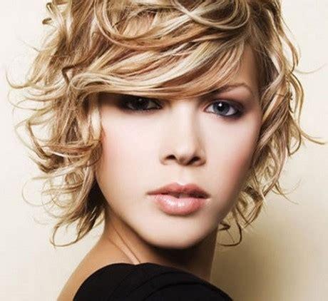 per chi ama i capelli corti su capelli estetica it tagli corti capelli mossi 2017