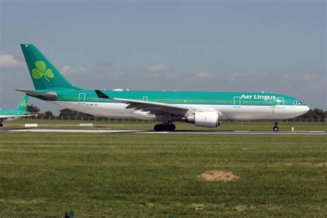 187 aer lingus looks east with qatar airways as it continues
