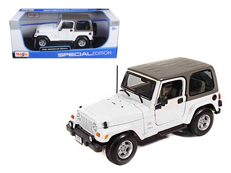 jeep car white jeep wrangler sahara white 1 18 diecast model car by maisto