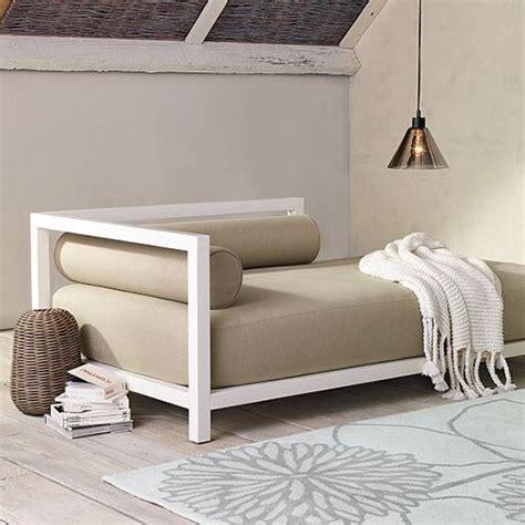 decoracion estudio con sofa cama sof 225 s cama en el sal 243 n para el descanso de tus invitados