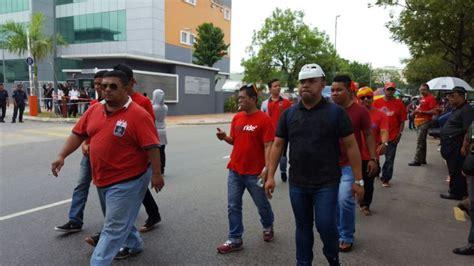 Himpunan Baju Merah laporan terkini himpunan baju merah berakhir dengan aman berita semasa mstar