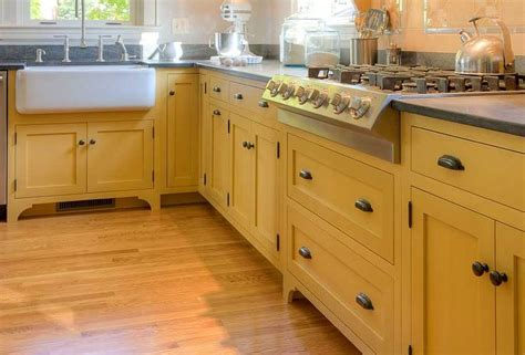 crown point kitchen cabinets crown point cabinets romo kitchen pinterest
