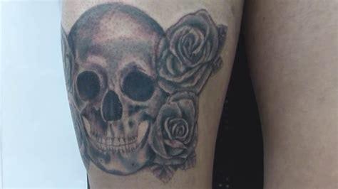 tatuajes de calaveras y rosas tatuaje calavera y rosas youtube