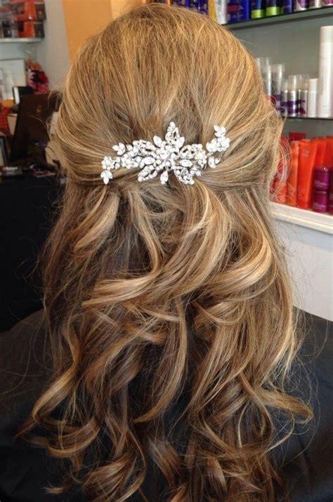 Wedding Hair Half Up Accessories by Best 25 Medium Wedding Hair Ideas On Medium
