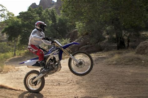 Ktm Auto Santa Clarita by Yamaha Off Road Bikes Wr250f And Yz250fx Chew Up Some Dirt