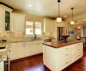 vanilla cream kitchen cabinets french vanilla glaze ready to assemble kitchen cabinets