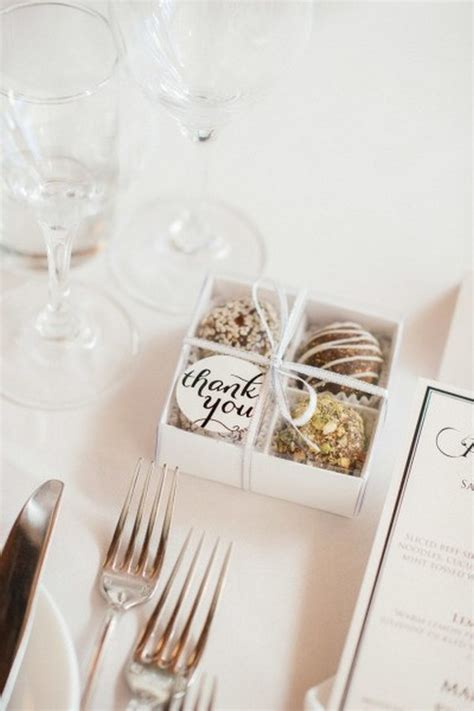 Wedding Favors Edible Ideas by 20 Unique Edible Wedding Favor Ideas Emmalovesweddings
