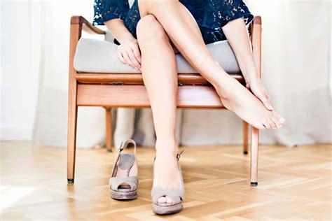 wearing high heels how wearing high heels causes reader s digest