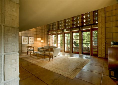 Millard House Design Frank Lloyd Wright S Iconic Quot La Miniatura Quot Millard House Hits The Market For 4 5 Million In