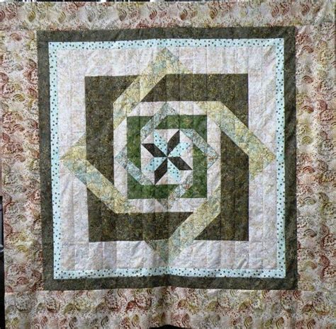 Labrynth Quilt by Labyrinth Quilt Top Sewing Machine