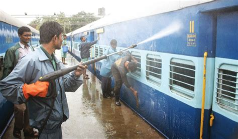 Scr Background Check Scr Intensifies Cleanliness Drive On Railway Premises Clean India Journal