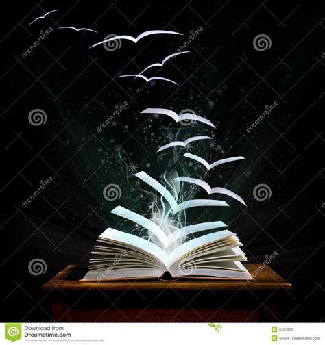 transformation magique de pages de livre d oiseaux photo stock image du roman apprendre 9251320