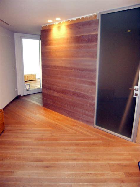 pareti rivestite di legno foto parete rivestita in rovere massello oliato di legno