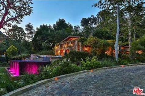 jennifer lopez house a purchase in la the new jennifer lopez house celebrity