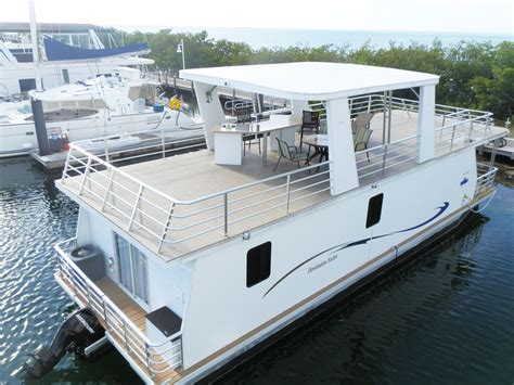 rent house boat 10 cool houseboats that double as vacation rentals