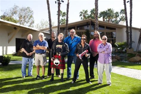wwe legends house old school wwe personalities move in together on legends
