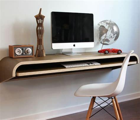 Meja Komputer Di memilih meja komputer dengan desain yang menarik