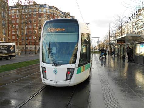 les tramways en 206 le de lignes transports