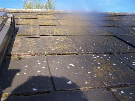 Nettoyer Une Ardoise Blanche by Nettoyer La Mousse De La Terrasse Des Tuiles Des Ardoises