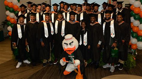 Of Miami Career Services Mba by Nfl Players Graduate With Mbas From The Of Miami