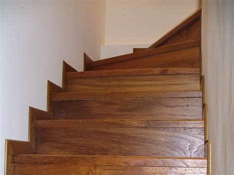 tavole in teak scale in legno